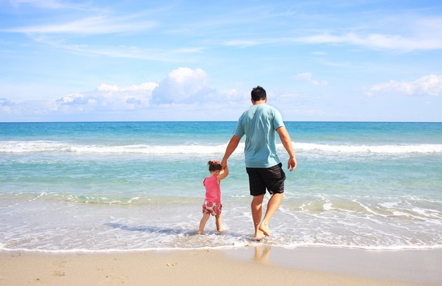 Father Daughter Beach Sea 38302